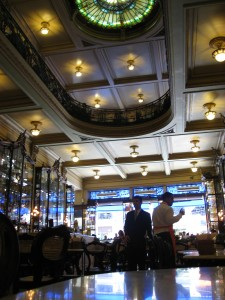 Food and nighlife in Rio - Confeitaria Colombo