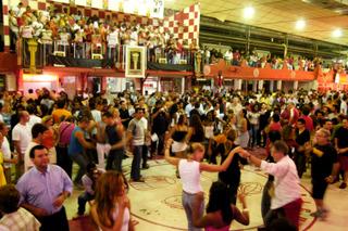 Salgueiro Dance Floor © Douglas Engle info@australfoto.com