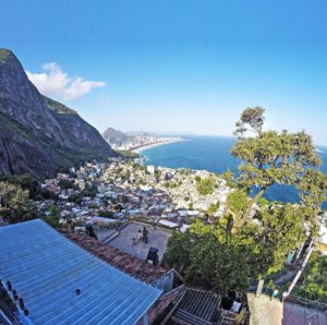 safe to visit a favela