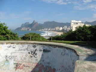 Skateboard in Rio - Parque Garota da Ipanema