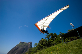 Sports and Surfing in Rio - Hang gliding
